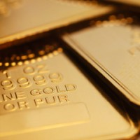 gold 200x200 Gold Dips Again on Stronger U.S. Dollar