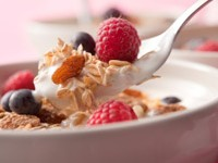 cereal with fruit 200x150 Kellogg: Q2 Earnings, Revenue Top Forecasts