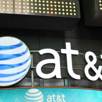 Should I Buy AT&T? 3 Pros, 3 Cons