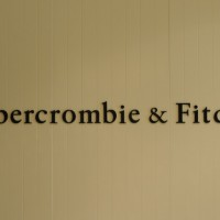 Abercrombie and Fitch 1 200x200 CEO Mike Jeffries Replaced as Abercrombie & Fitch Chairman