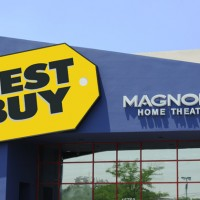 Best Buy 200x200 Best Buy Profit Plunges, Suspends Guidance