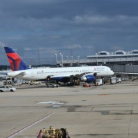 Delta Airlines1 200x200 Delta to Cut Costs with Refinery Buy