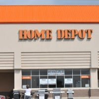 Should I Buy Home Depot? 3 Pros, 3 Cons