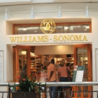 Household Williams Sonoma 1 200x200 Williams Sonoma Beats Q2 Forecasts, Shares Jump