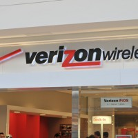 Verizon vs. AT&T: Which Should You Buy?