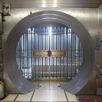 Bank vault 630 flickr 200x200 Goldman Sachs Beats Profit, Revenue Forecasts
