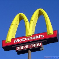 McDonalds golden arches 630 flickr 200x200 U.K. Doctors: McDonald's Doesn't Belong at the Olympics
