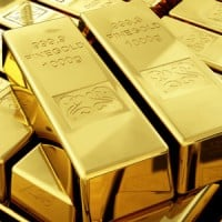 11103054 gold bullion 200x200 Gold Gains on Weak U.S. Economic Reports