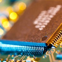 12499015 electronic chip on circuit board 200x200 Weak Q4 Forecasts Send Tech Shares Down