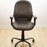 empty office chair 630 flickr 200x200 Nook Failure Puts Barnes & Noble CEO on Unemployment Line
