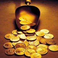 gold coins scoop 630 flickr 200x200 Gold Rises, Posts Weekly Gain