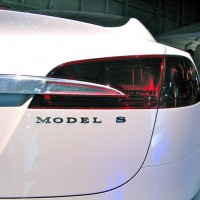 tesla model s 630 200x200 Tesla Shares Drop on Production Warnings