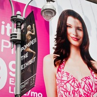 t mobile girl billboard 630 200x200 T Mobile Offers Free Data to All Tablet Owners