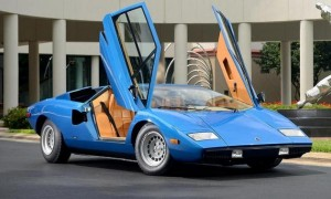 lamborghini countach 300x180 Lamborghini Countach Sells for $1.2M