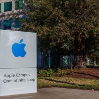 Apple stock pops following vindicating q1 earnings googl the cheapest