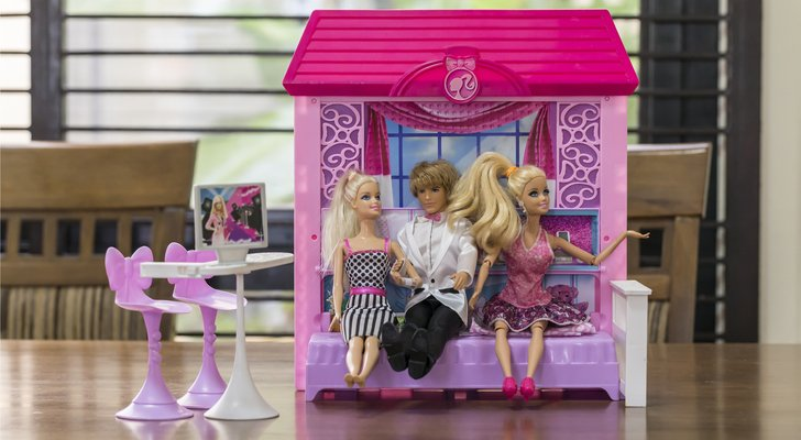 "A Toys ""R"" Us Shutdown Is the Least of Mattel Stock's Problems"