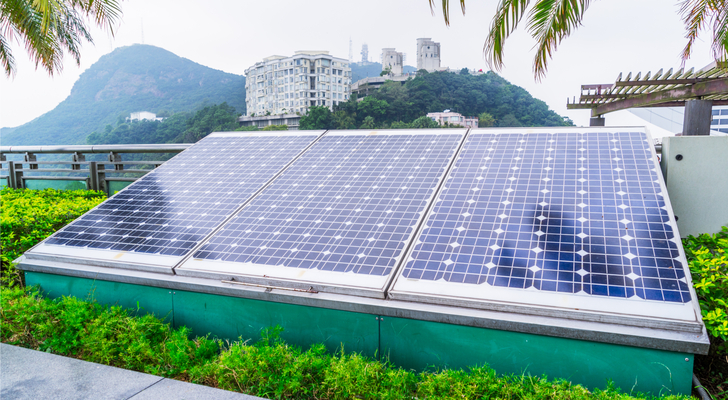 solar stocks - 3 Chinese Solar Stocks That Will Heat Up Big-Time