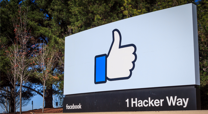 Facebook lawsuit - BlackBerry Sues Facebook Over Patent Infringement