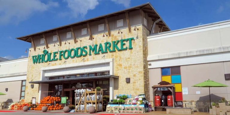 Albertsons Considering Bid for Whole Foods
