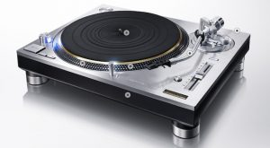 Turntables for Every Vinyl Enthusiast: Technics SL-1200
