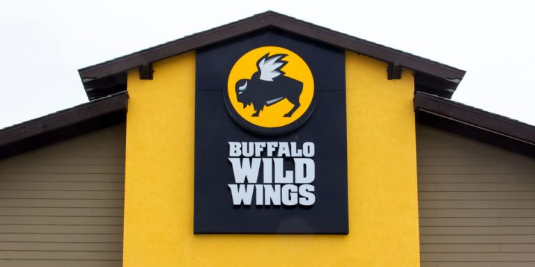 Buffalo Wild Wings shares fall almost 10% after big earnings miss