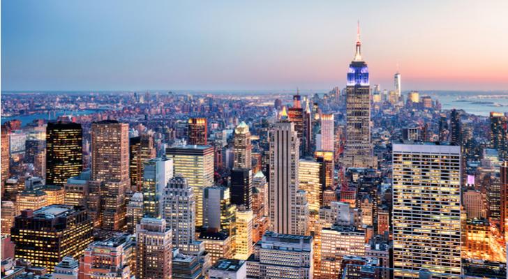Income-Increasing REITs to Buy: Manhattan Bridge Capital (LOAN)
