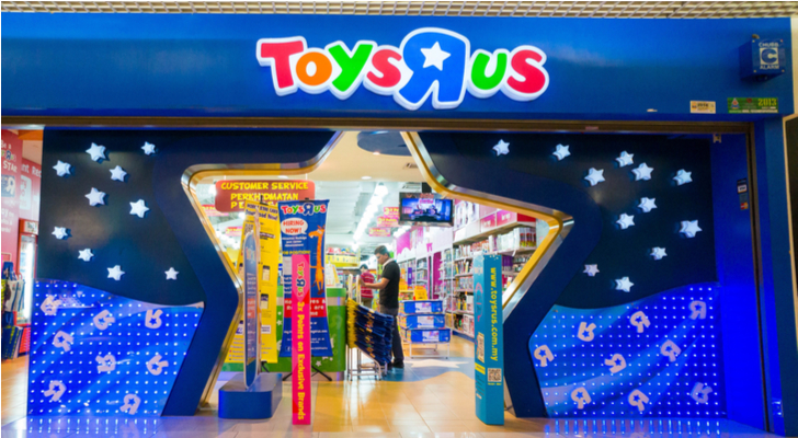 Davenport Toys R Us begins liquidation sale