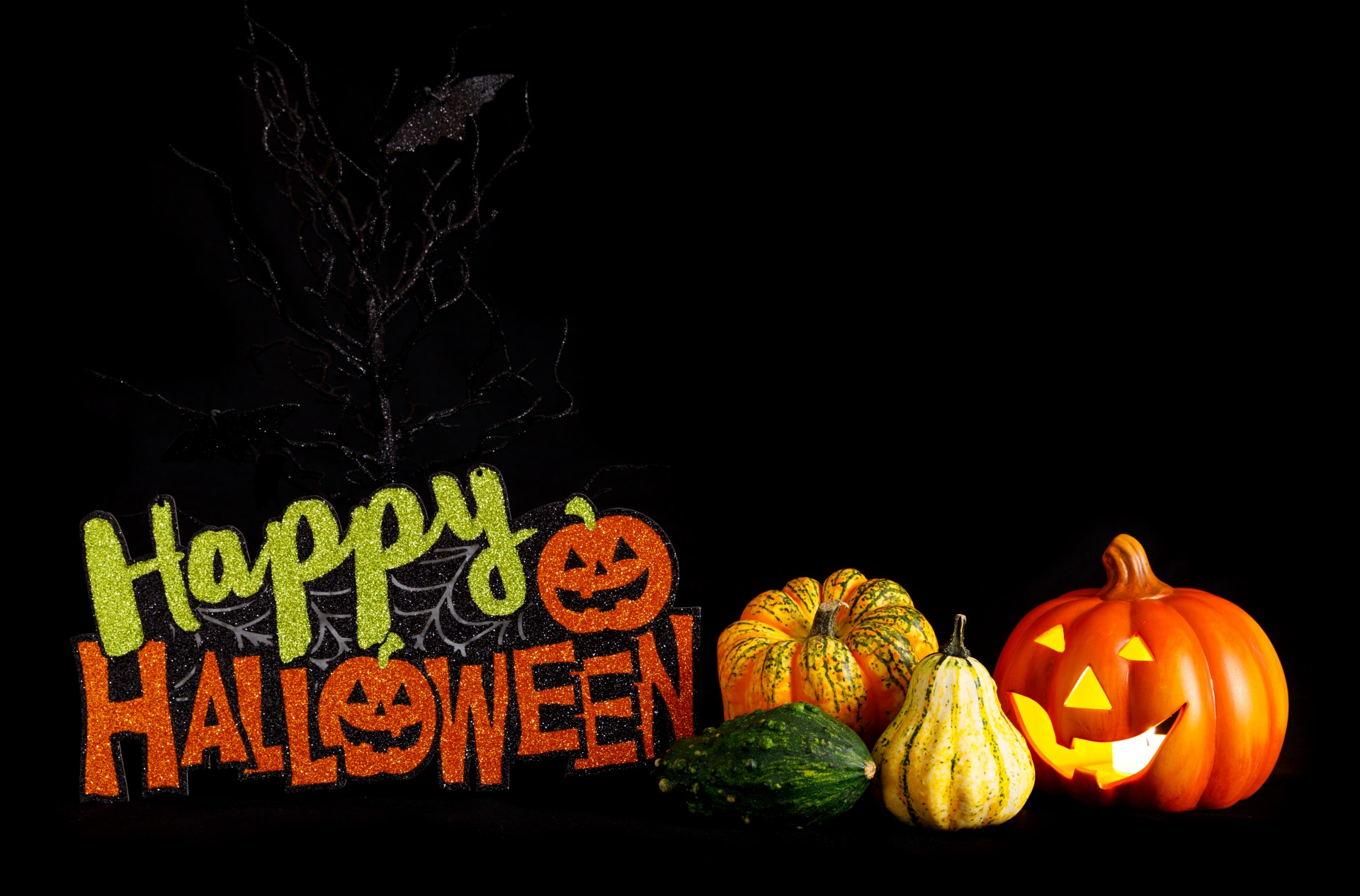 7 Happy Halloween Images to Post on Facebook, Twitter, Instagram ...