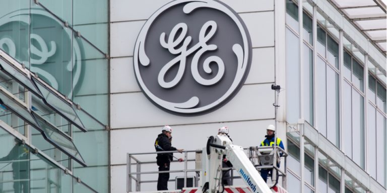 With GE Stock at Nine Year Lows, Is It Time to Buy the Dip?