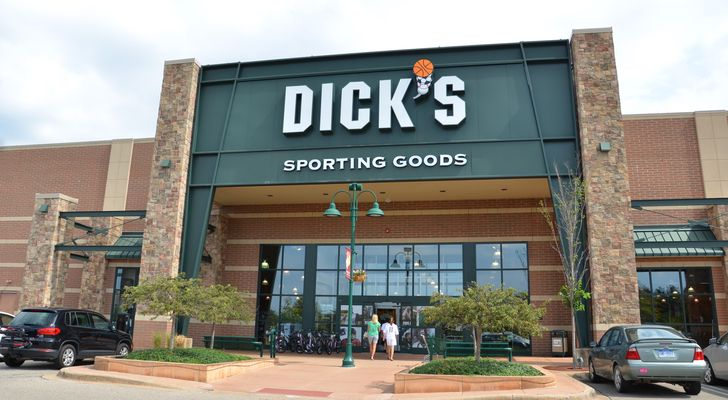 Single Digit P/E Stocks: Dick's Sporting Goods (DKS)