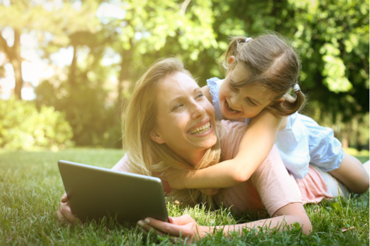 Mother's Day 2018 - 10 High-Tech Gifts Mom Would Love for Mother's Day