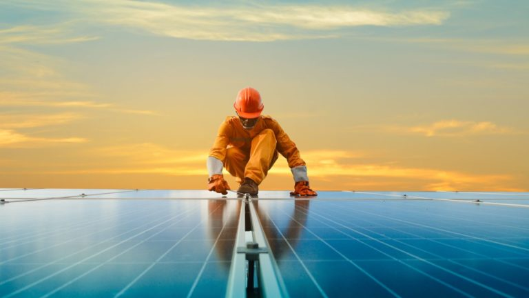 solar stocks - The Top 4 Solar Stocks to Buy Now