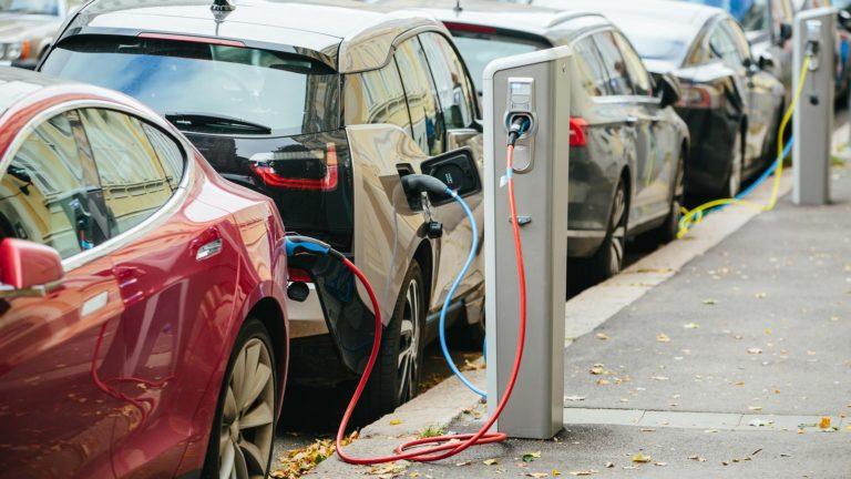 EV charging station stocks - 3 Electric Vehicle Charging Station Stocks for 2021
