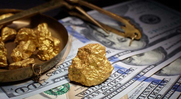 Interesting VanEck Vectors Gold Miners ETF (GDX) Put And Call Options