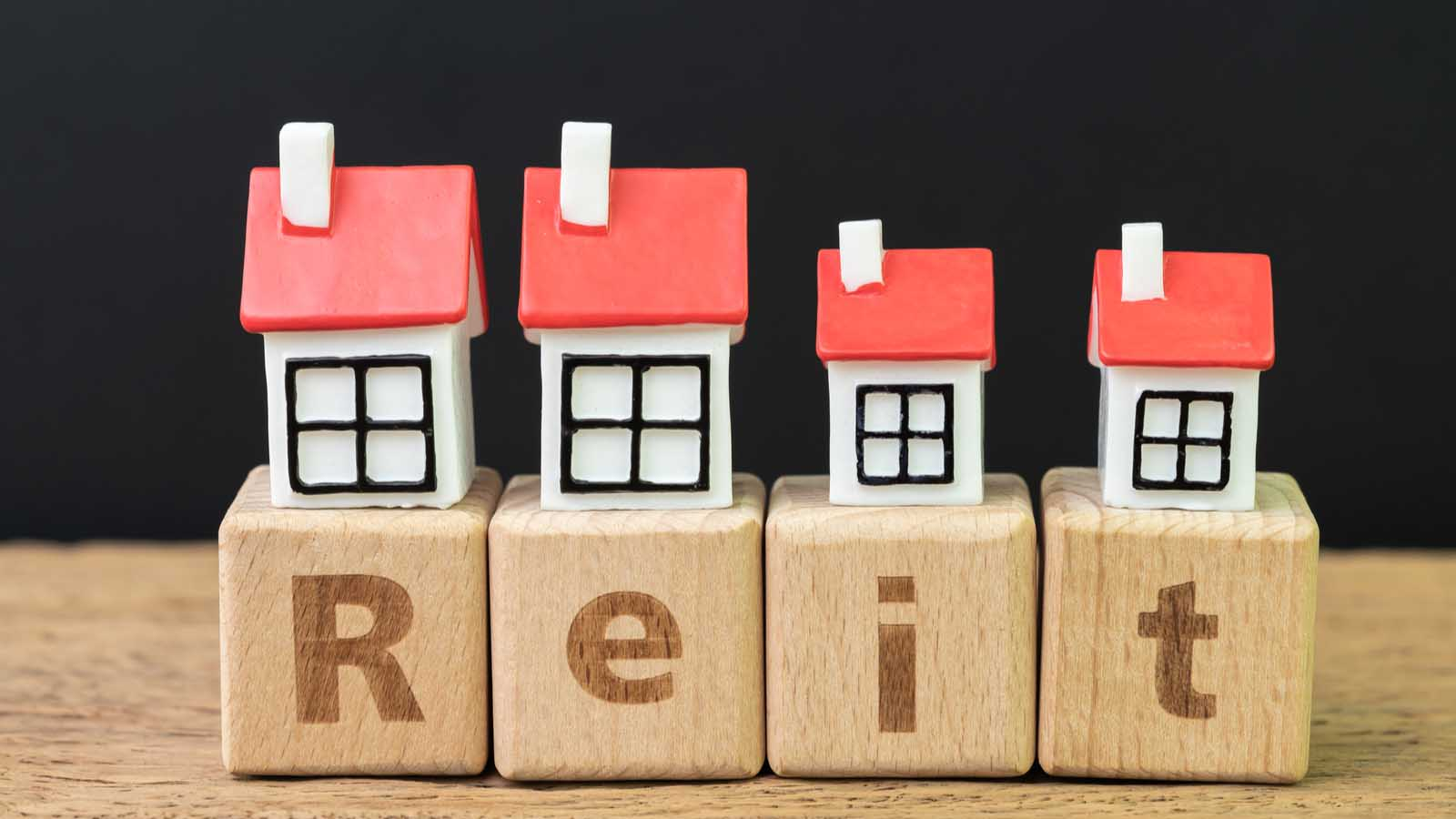 7 Top-Rated REITs to Buy Today