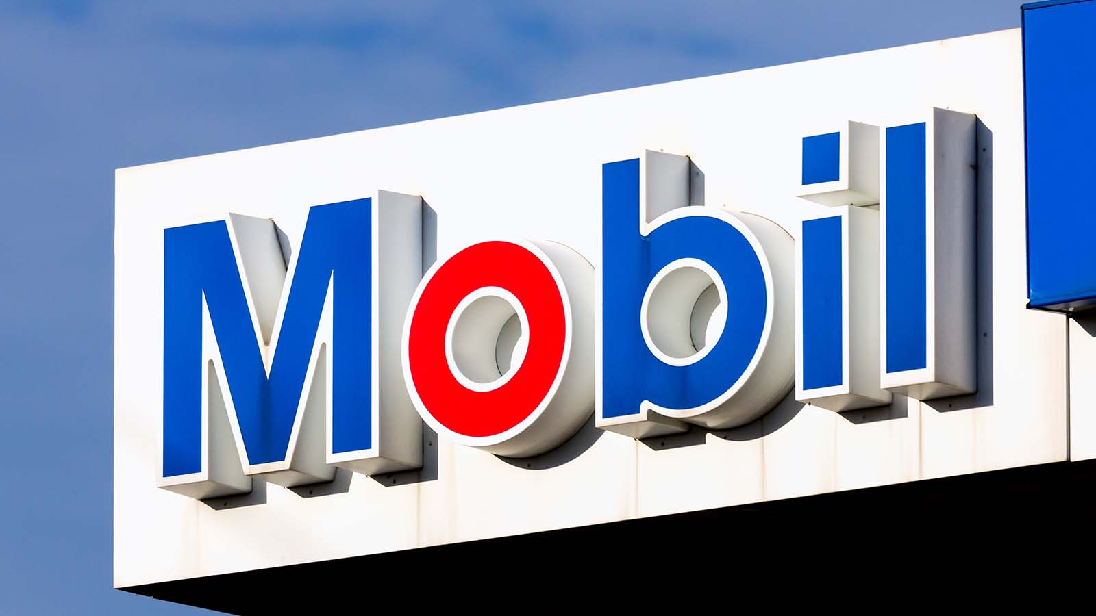 3 Contrarian Reasons to Believe in Exxon Mobil Stock