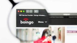 Image of the Boingo (WIFI) website with a magnifying glass over it.
