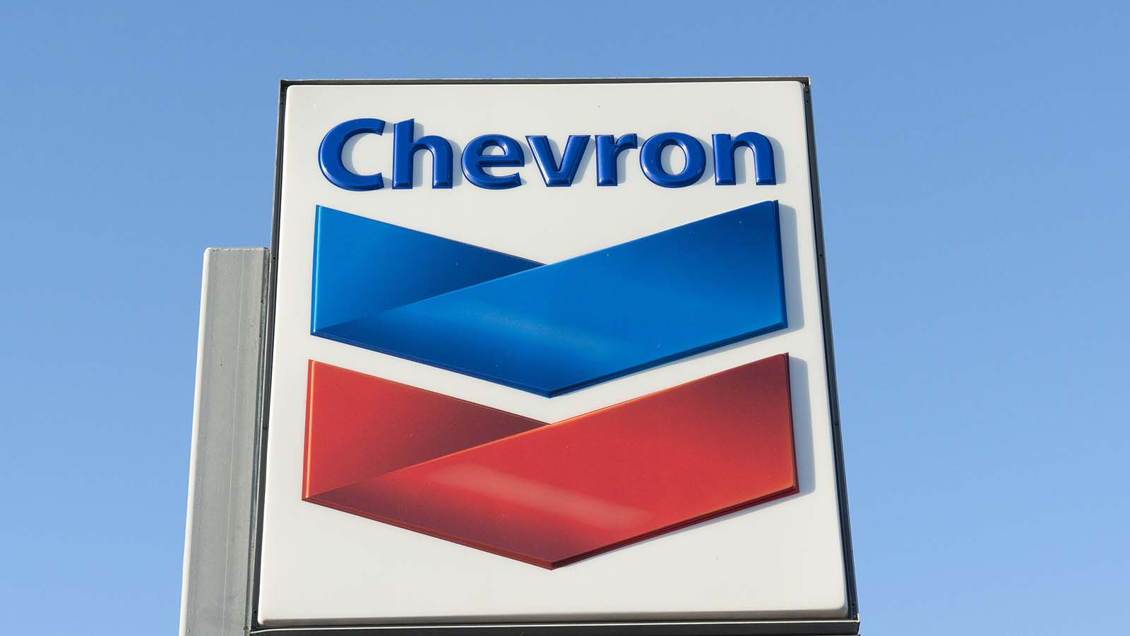 Don't Buy Chevron Stock Just For This Year's Dividend ...