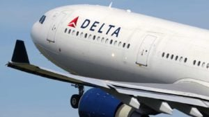 Delta (DAL) airlines plane mid take-off