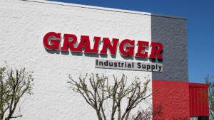 Grainger (OWW) logo on the side of a warehouse.