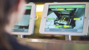 Technologie 'ROAR' de Miso Robotics affichée sur l'écran de l'ordinateur.