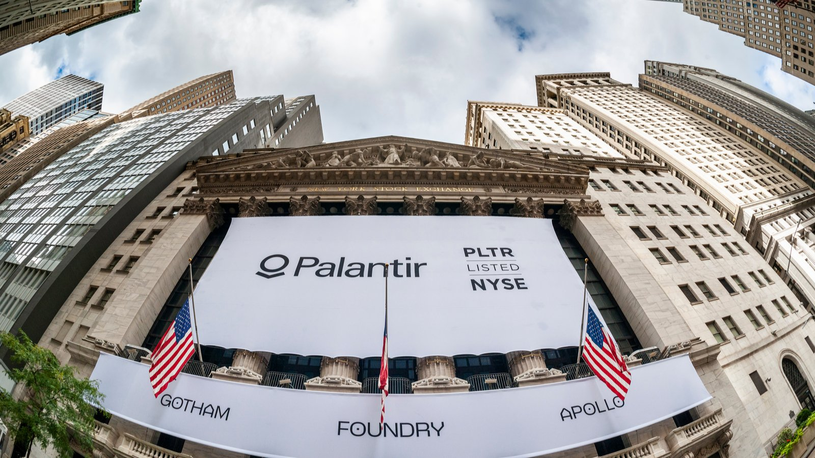 How To Trade The Triangle Pattern On The Palantir Stock Chart | InvestorPlace