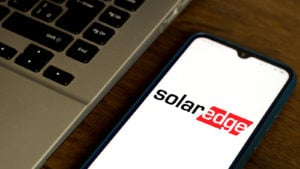 the solar edge logo on an iPhone
