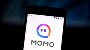 A loading screen for the MOMO mobile app