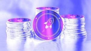Une image conceptuelle pour le jeton Stellar (XLM) avec un filtre violet.