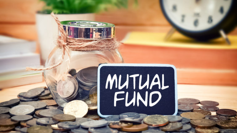 Mutual funds - 4 Best Mutual Funds to Buy for a Stress-Free Retirement